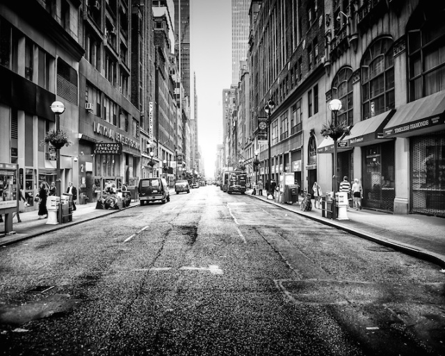 Streets of new york vs Kuwait.jpg